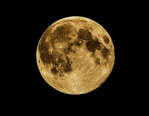 moon-415501_1920_edited.jpg