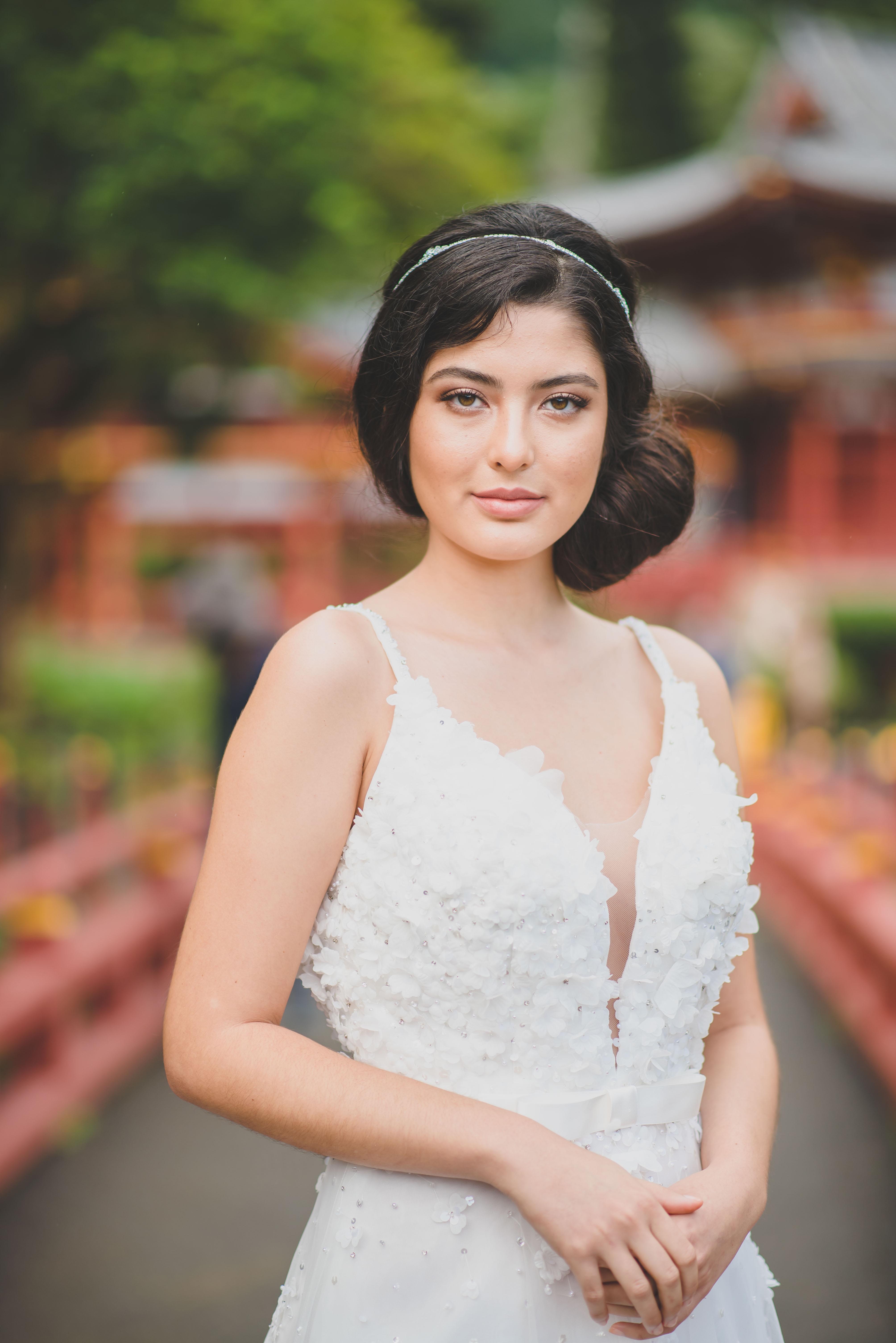 Classic Natural Bride