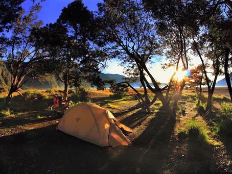 Motorrad Reisen und Gepäck - Camping