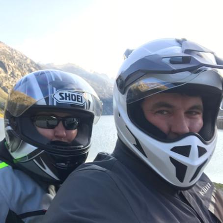 Motorrad Reisen und Gepäck zu zweit
