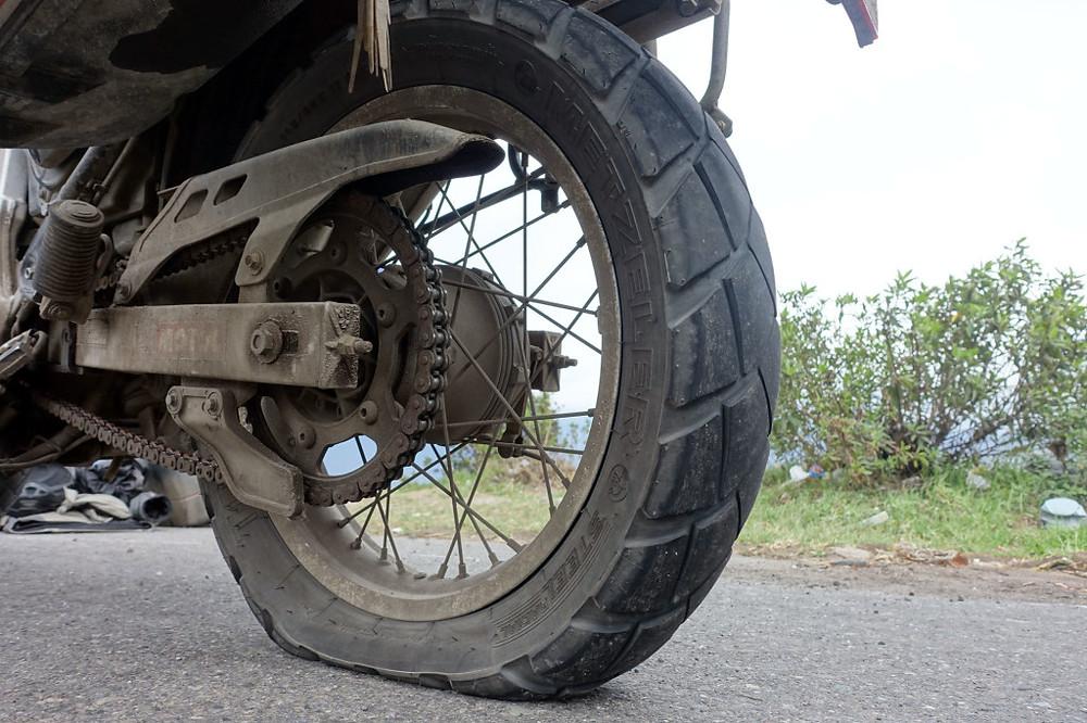 Motorrad Reifen Platt?  Kein Problem mit den Tyre Pro Set