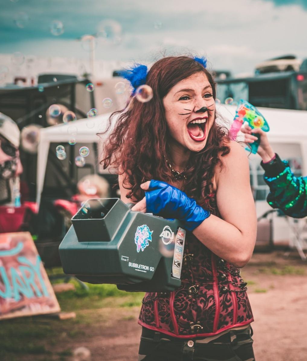 Reign Bough Fiddle bubble parade!