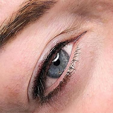 EyelinerTopandBottomCosmeticTattooPNG.pn