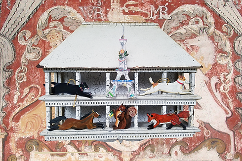 OrnamentsOnBirdhouse3by2.png