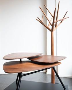 Portemanteau «y» et table de salon «63» / Klybeck