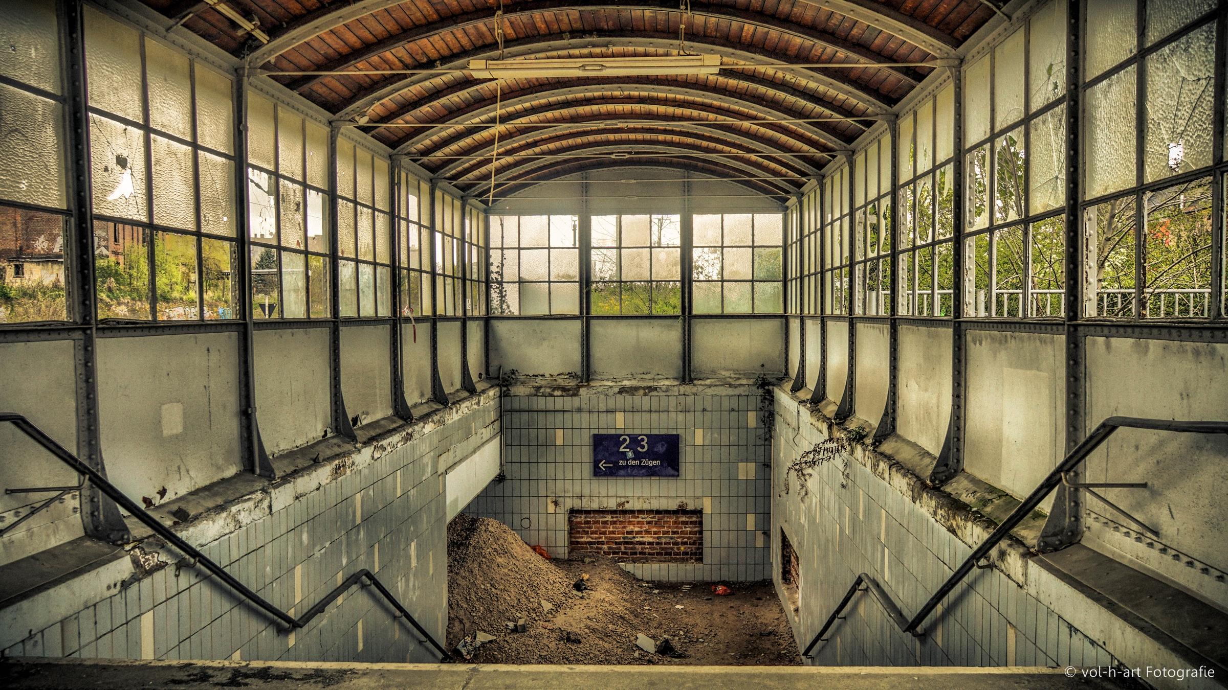 Stillgelegte Bahnhofsunterführung