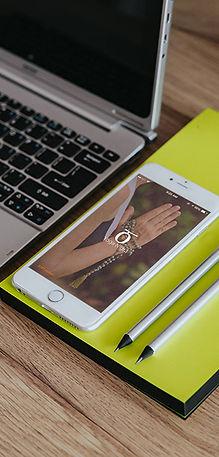 use the yoga nidra app on an iphone