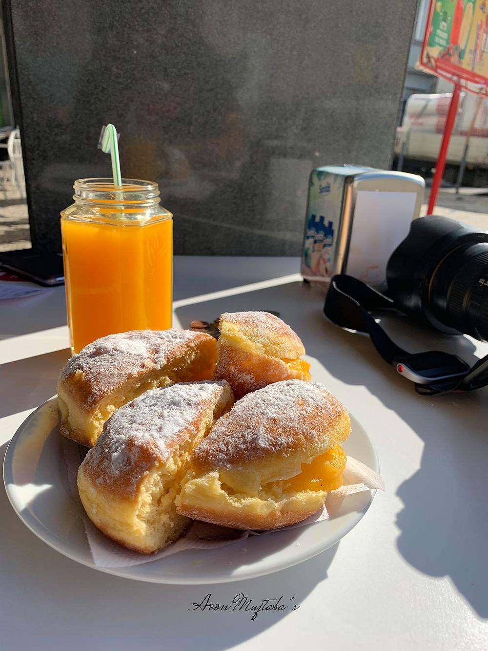 Buondi Cafe in in Porto, Portugal