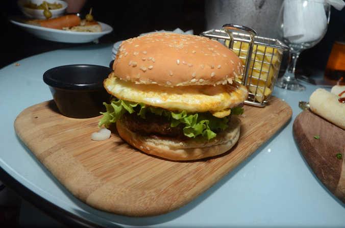 Onnos burger.JPG