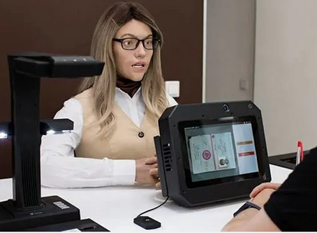 Humanoid Clerk Helps to Cut Red Tape in Russia
