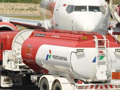 Pertamina Indonesia melakukan uji coba bahan bakar hayati dan bahan bakar pesawat jet