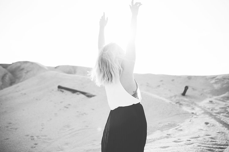 Tick_Tock_South_Virtual_Assistant_Services_Black_White_Photo_Woman_Joy_Happy
