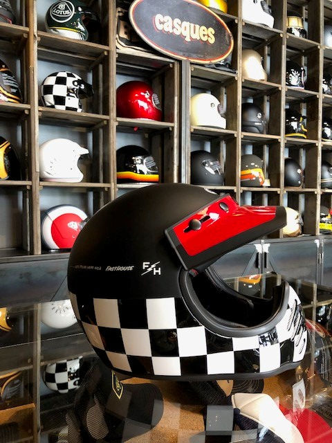 Casque Bell Helmet.jpg
