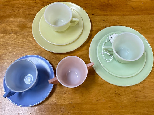 9 pc Vintage Child's Tea Set