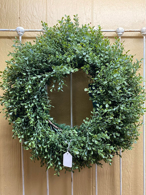 Lighted Boxwood Wreath