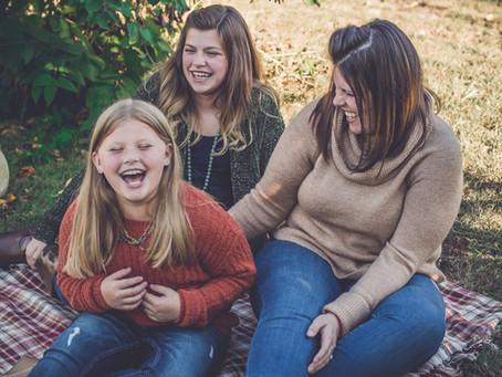 fall mini sessions | at the orchard | family photographer in ann arbor, michigan