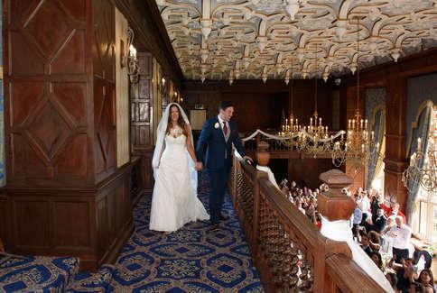 Bride-groom-balcony.jpg