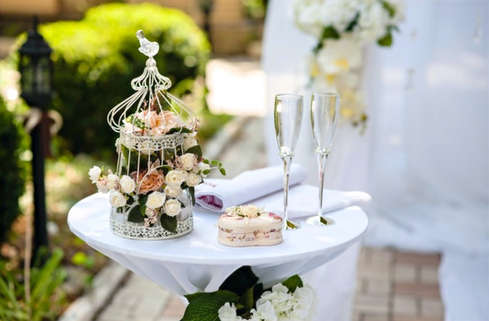 wedding-table-details-flowers.JPG