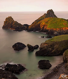 kynance-cove-lizard-cornwal.jpg