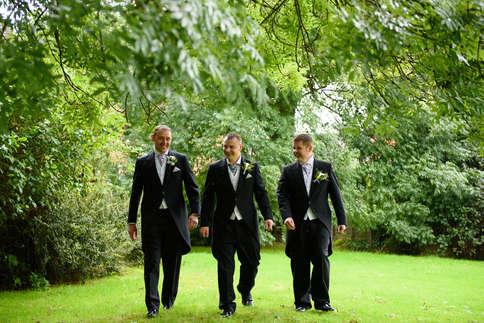 groomsmen-walking-rat-pack.JPG