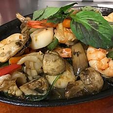 Pad Kra Pow Talay (Seafood Basil)