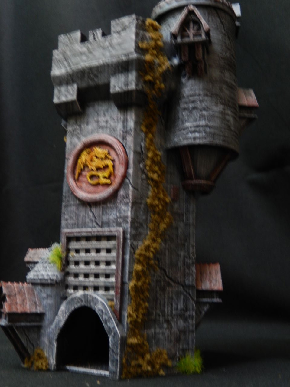 Wizards dice tower with dice storage compartment