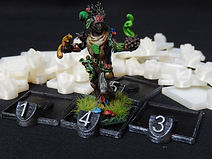 Miniature holders with number markers for use in tabletop games