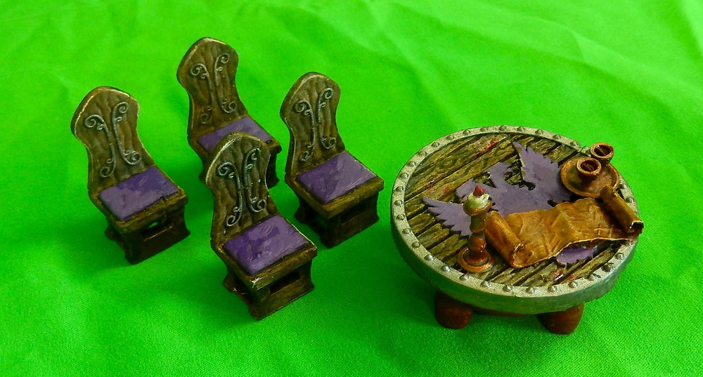 Council / War Chamber table and chairs (D&D tabletop terrain