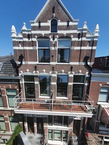 Monumentaal grachtenpand in Leiden