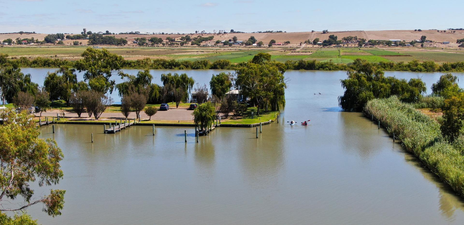 Enjoy the river life - Land for sale Riverglen Drive White Sands