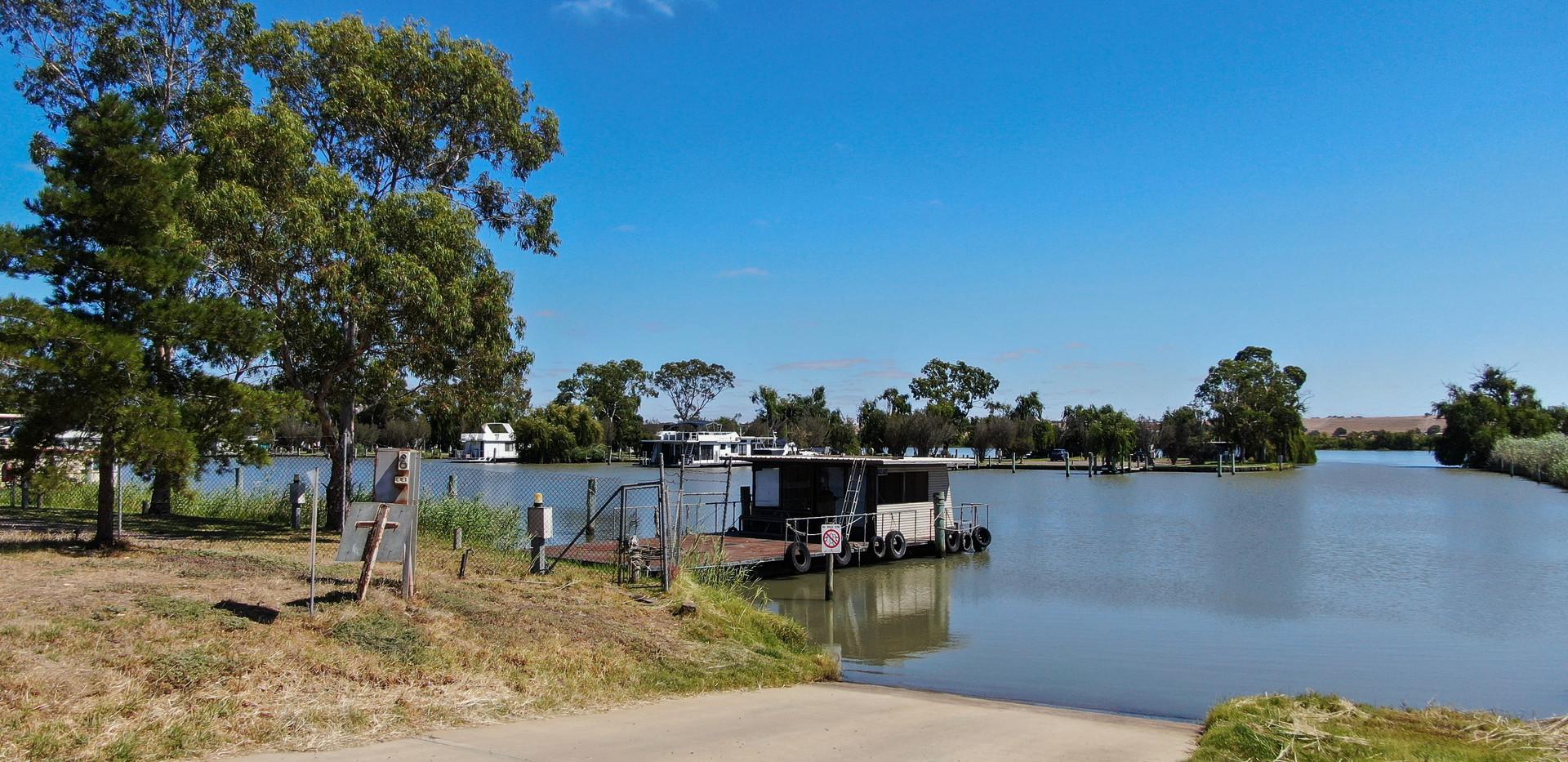 Boat ramp adjacent - Land for sale Riverglen Drive White Sands