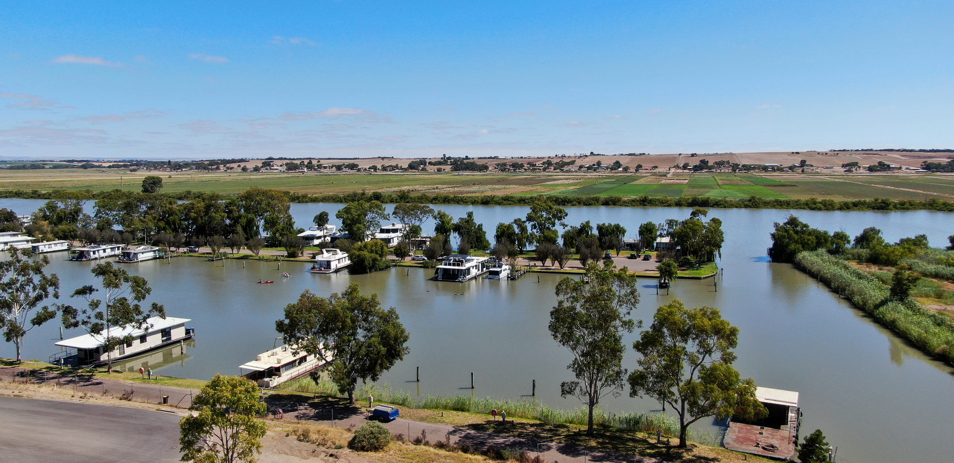 Marina and River views - Land for sale Riverglen Drive White Sands