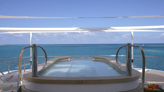 Yacht AMARYLLIS pool