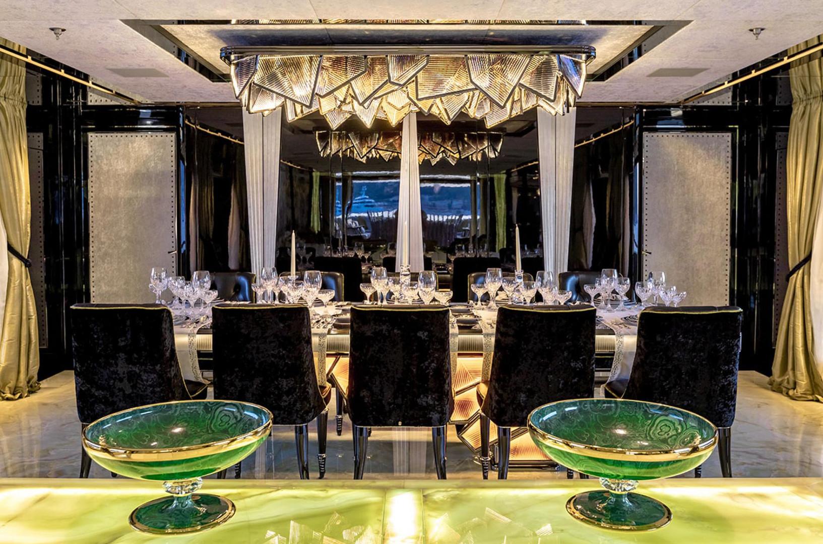Yacht SARASTAR - formal dining