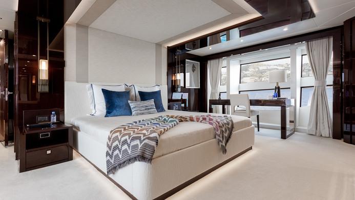 Yacht LADY M - master cabin