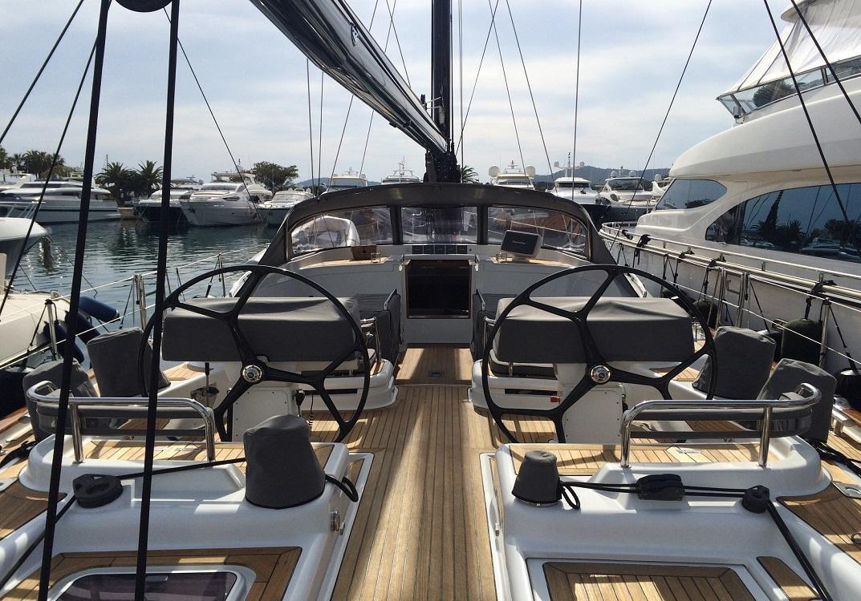 Sailing yacht RAVEN - on deck