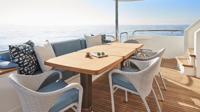 Yacht HALLELUJAH - aft deck