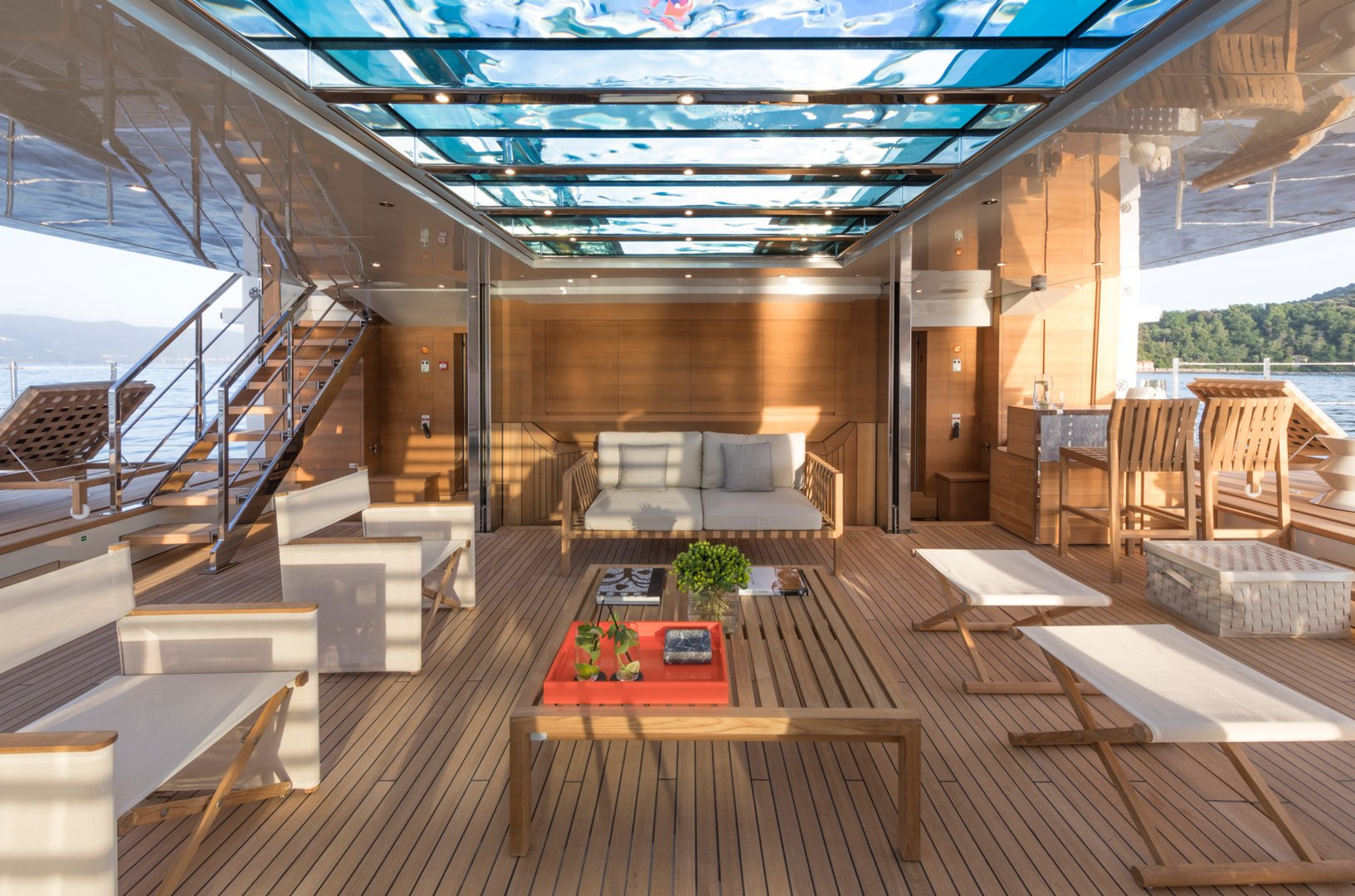 Yacht SEVEN SINS - Beach Club. Sea access and chill out room with panoramic views of the ocean