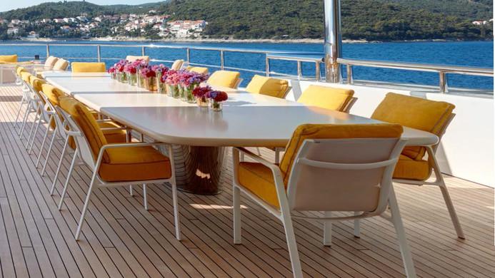 Yacht AQUARIUS - Al freso dining