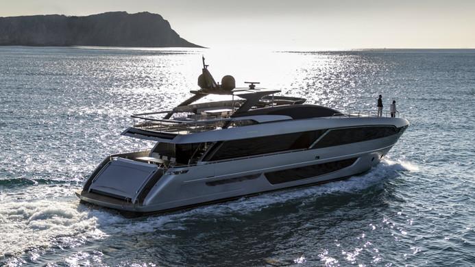 Yacht UNKNOWN - Riva, cruising