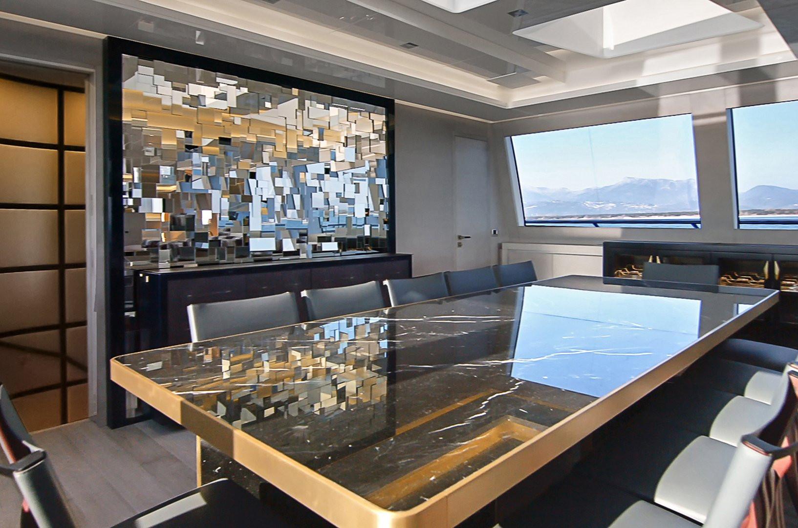 Yacht DA VINCI - interior dining