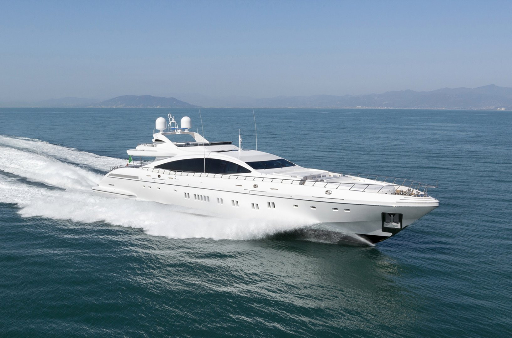 Yacht DA VINCI Mangust 50m, at nearly 40 knots speed