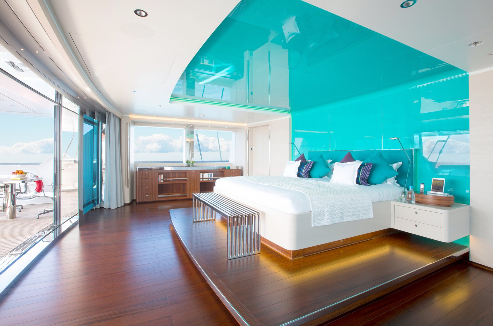 Yacht AQUIJO - Master stateroom. Opens onto deck