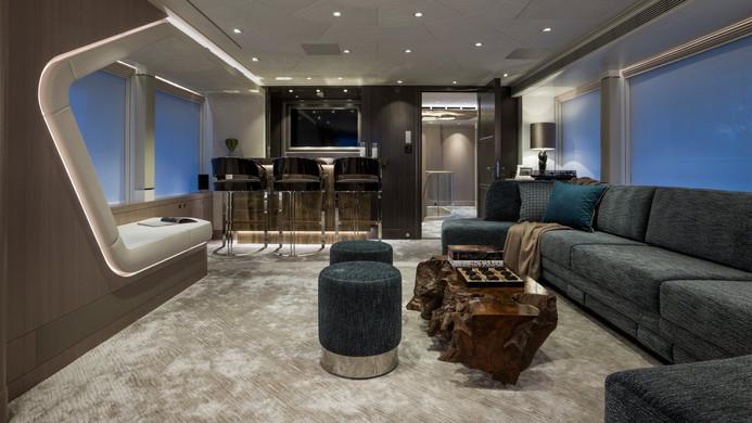 Yacht IRISHA - sky lounge and bar
