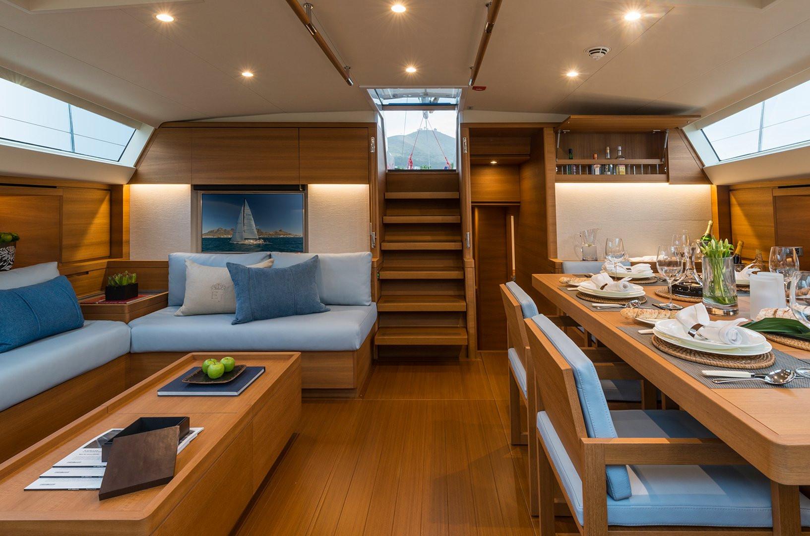 Sailing Yacht FARFALLA - saloon lounging area