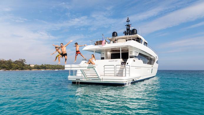 Family yacht hire