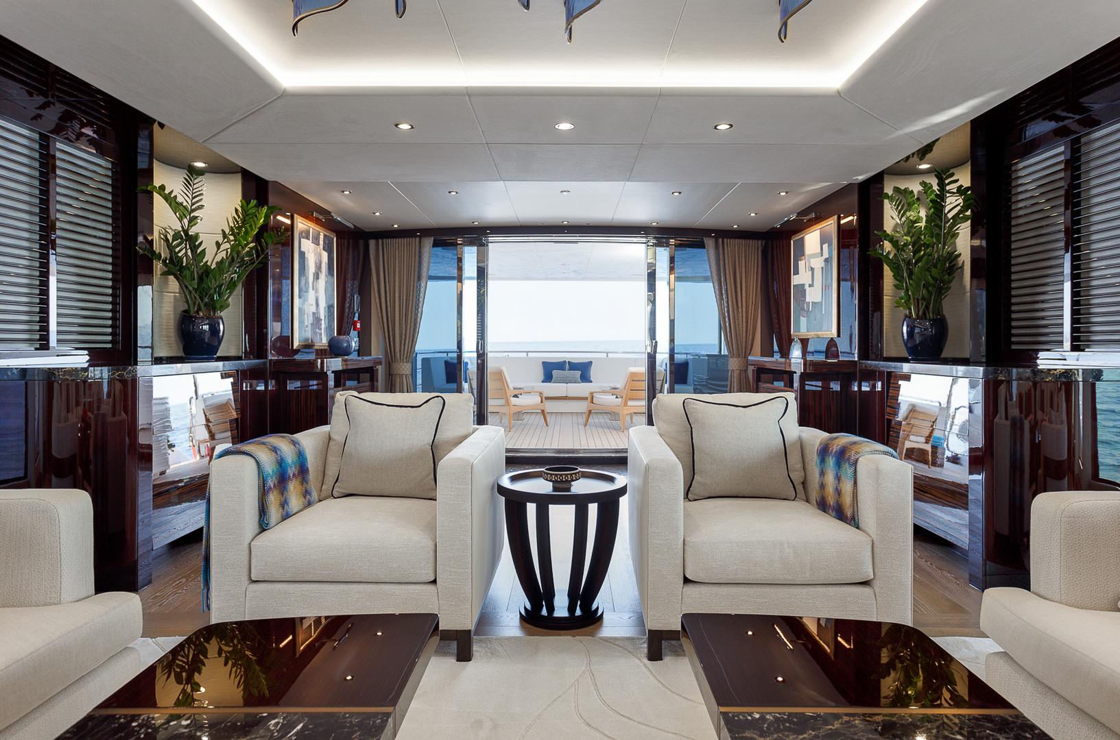Yacht LADY M - saloon