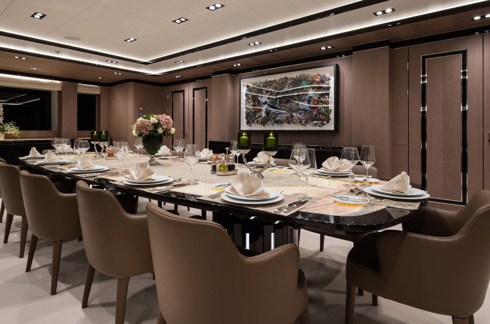 Mega Yacht O'PTASIA - formal dining