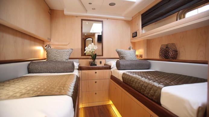 Sailing Yacht RAVEN - guest cabin