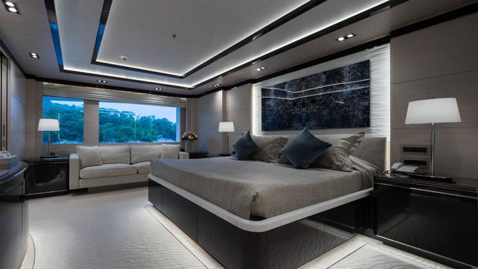 Mega Yacht O'PTASIA - guest cabin